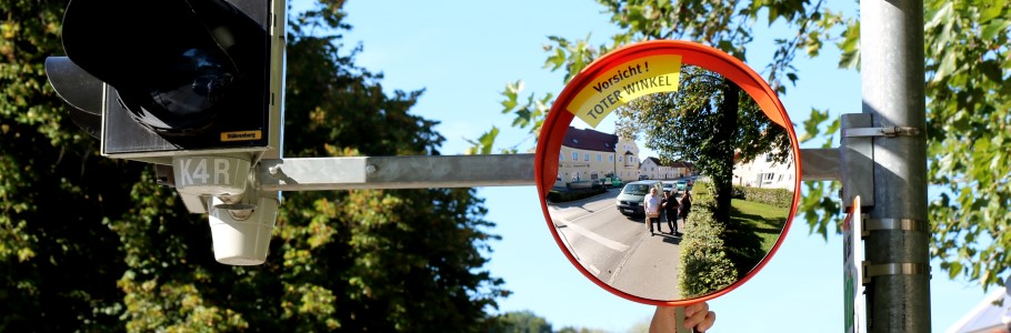 Anbringung von Trixi-Spiegeln in Wolfratshausen